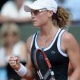 Finalistă la Roland Garros, Samantha Stosur a obţinut astăzi a 300-a victorie a carierei, după ce a învins-o cu 6-3, 3-6, 6-4 pe slovaca Daniela Hantuchova în optimile de finală...