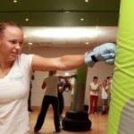 FOTOGALERIE: Caroline Wozniacki boxează în cea mai recentă reclamă pentru Compeed