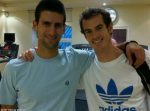 POZA ZILEI, 17 noiembrie 2011: Novak Djokovic şi Andy Murray, împreună în sala de forţă de la Londra