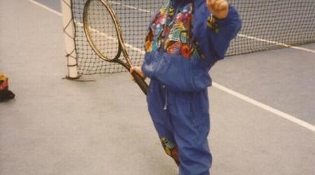 """Aflată în premieră în optimile de finală ale unui turneu de Grand Slam, Irina Begu, cea care duminică va juca împotriva canadiencei Eugenie Bouchard, a avut tenisul """"în sânge"""" de..."""