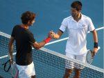 FOTOGALERIE: Novak Djokovic l-a învins pe Roger Federer la Abu Dhabi în 56 de minute!
