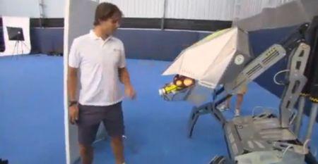 aruncator mingi tenis