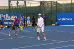 POZA ZILEI, 30 decembrie 2011: Rafael Nadal a jucat tenis cu copiii la turneul Mubadala din Abu Dhabi