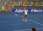 FOTOGALERIE: Djokovic, Wozniacki şi Azarenka, primele antrenamente pe zgura albastră