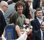 FOTO: Gustavo Kuerten a venit cu fetiţa de doar 4 luni la Roland Garros!