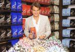 FOTO și VIDEO: Federer într-o vizită dulce: la un magazin Lindt din New York