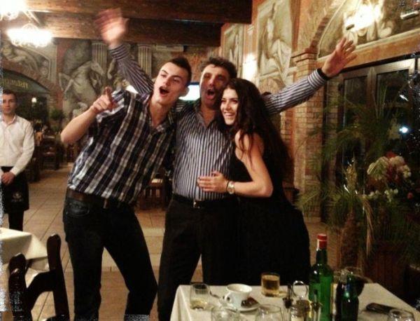 Sorana Cîrstea alături de tatăl și fratele ei