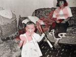 Sorana Cirstea, la 10 luni, atunci cand a atins pentru prima data o racheta de tenis