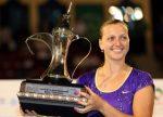 FOTO: Petra Kvitova, cu trofeul cucerit la Dubai