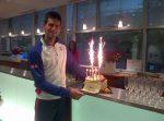 FOTO: Novak Djokovic și tortul primit ieri, de ziua lui, la Roland Garros