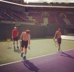 POZA ZILEI, 2 decembrie 2013: Ross Hutchins se antrenează alături de Andy Murray la Miami
