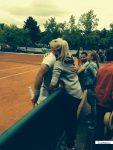 FOTO: Florin Mergea, îmbrățișat de soție, Daiana, după calificarea în optimile de la Roland Garros