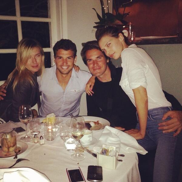 Familia Haas alaturi de indragostitii Sharapova si Dimitrov