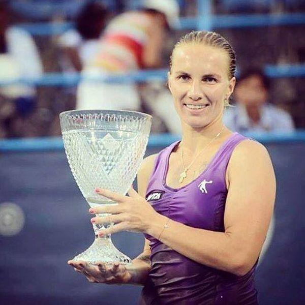 Svetlana Kuznetsova cu trofeul cucerit la Washington