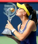 FOTO: Agnieszka Radwanska şi trofeul cucerit la Montreal