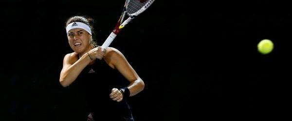 Clasamentul mondial feminin, WTA, dat publicității azi, scoate în evidență un adevăr dureros: mai avem doar trei fete între primele 100 de jucătoare ale lumii. Sorana Cîrstea a părăsit Top...