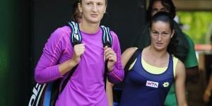 Irina Begu a mai reușit să cucerească un trofeu de dublu în circuitul WTA. De data aceasta la turneul de 500.000 de dolari de la Seul, alături de Lara Arruabarrena,...