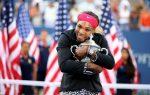 FOTOGALERIE: Imagini cu Serena Williams şi trofeul de la US Open, câştigat a şasea oară