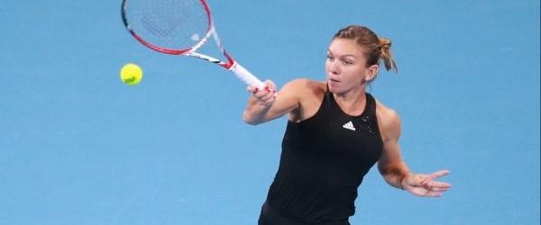 Simona Halep s-a calificat în optimile de finală ale turneului WTA de la Beijing după o partidă în care a acuzat probleme medicale. În turul secund al turneului WTA de...