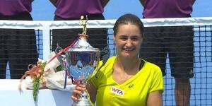 În Terenul Fanilor revine prietenul nostru, FLorin Ghidirmic. El a trimis un articol legat de excelenta performanță a Monicăi Niculescu, campioană la Guangzhou, un turneu de 500.000 de dolari, după...