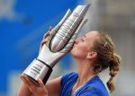 FOTO: Petra Kvitova și ineditul trofeu cucerit la Wuhan, care a calificat-o la Turneul Campioanelor