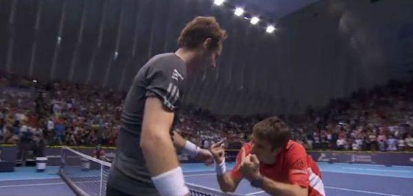 Andy Murray si Tommy Robredo la finalul finalei de la Valencia