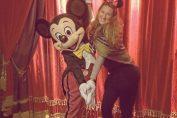 Victoria Azarenka si Mickey Mouse la Disneyland Paris