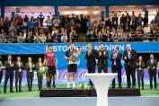 Tomas Berdych cu trofeul cucerit la Stockholm