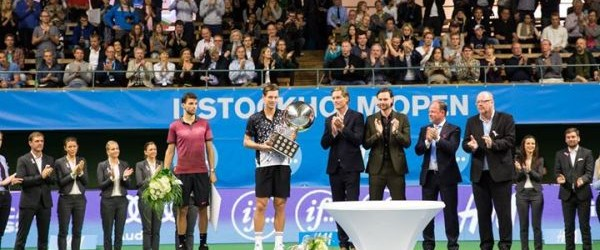 Tomas Berdych a cucerit titlul la Stockholm, după o victorie în finală contra deținătorului trofeului, Grigor Dimitrov. În finala turneului ATP de la Stockholm, Tomas Berdych l-a învins cu scorul...