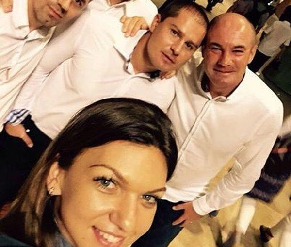 Simona Halep selfie antrenori si kinetic