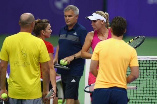 Halep Wozniacki antrenament Singapore