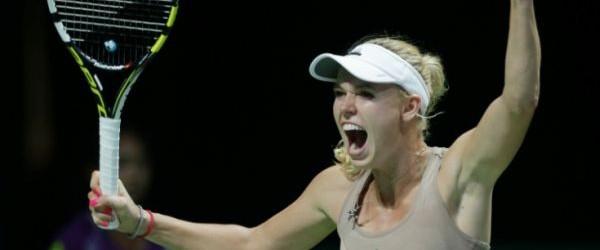 Caroline Wozniacki a câştigat azi unul dintre cele mai frumoase meciuri ale acestui an. Ea a învins-o, după mai bine de 3 ore, pe Maria Sharapova, în meciul de deschidere...