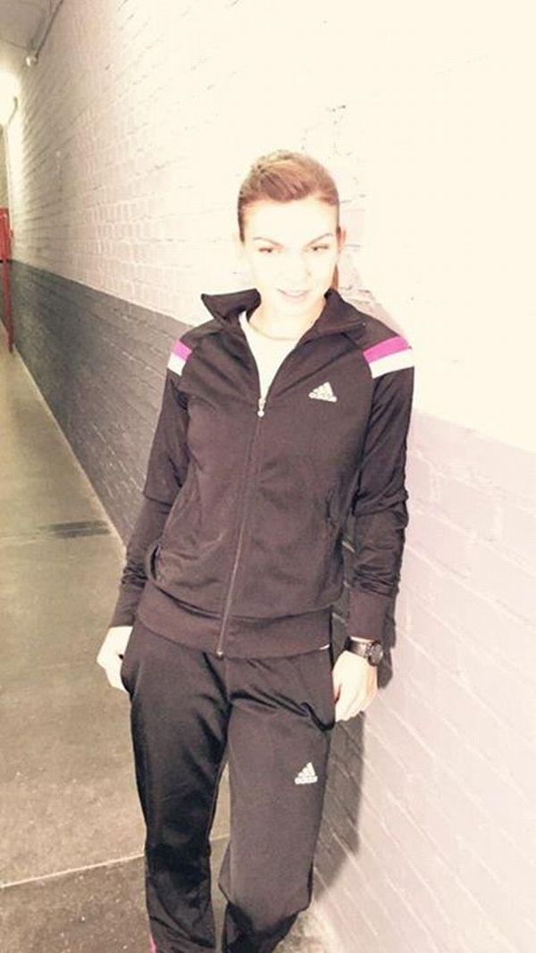 Simona Halep la sedinta foto pentru Adidas