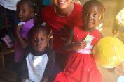 Caroline Wozniacki cu copiii in Haiti