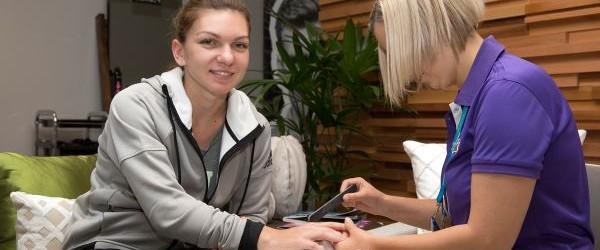 Simona Halep gustă din plin de binefacerile statutului de vedetă a primului turneu de Grand Slam al anului. Favorită 3 la Australian Open, Simona Halep a avut azi zi liberă...