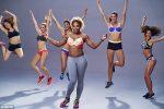FOTO și VIDEO: Serena Williams la filmările reclamei pentru sutienele Berlei