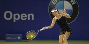 Alexandra Dulgheru face cel mai bun turneu din ultimii ani. E în semifinale Kuala Lumpur, aceasta fiind prima semifinal[ WTA a Alexandrei din iulie 2010, cand a ajuns în aceeași...