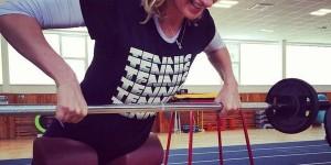Absentă de la Indian Wells și Miami din cauza suprasolicitării din startul sezonului, cehoaica Petra Kvitova a revenit la antrenamente. A făcut-o cu zâmbetul pe buze, după cum se poate...