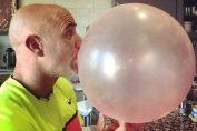 andre agassi balon guma mestecat
