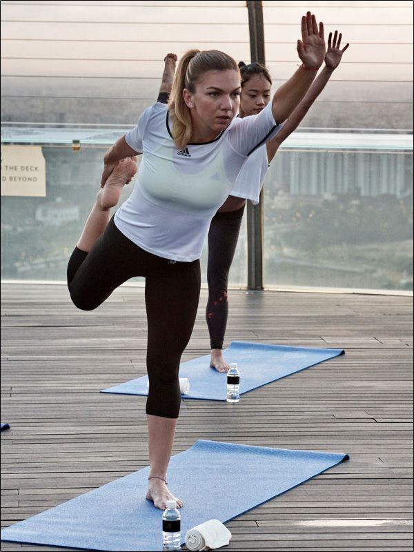 simona halep yoga singapore