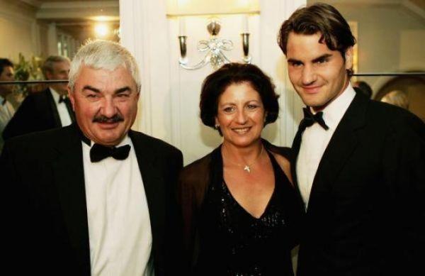 Roger Federer alaturi de părinţi