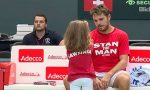 VIDEO: Stan Wawrinka și-a adus fetița la antrenamentul oficial al Elveției