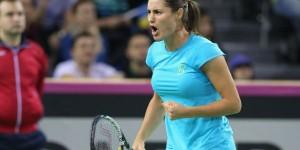 Monica Niculescu a obţinut o victorie imensă nu doar pentru ea ci pentru întreaga Românie! Monica Niculescu a învins-o cu scorul de 6-3, 6-4 pe jucătoarea numărul 1 a Cehiei,...
