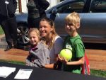 WTA Charleston: Alexandra Dulgheru a avut o sesiune de autografe