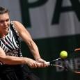 Simona Halep are iar parte de o zi lungă la Roland Garros. Din păcate, meciul cu Samantha Stosur din optimile de finală s-a întrerupt chiar când jucătoarea noastră se afla...