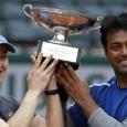 La Roland Garros s-a disputat deja prima finală, cea de dublu mixt. În acest an, titlul de dublu mixt de la Roland Garros a fost câștigat de perechea Martina Hingis/...