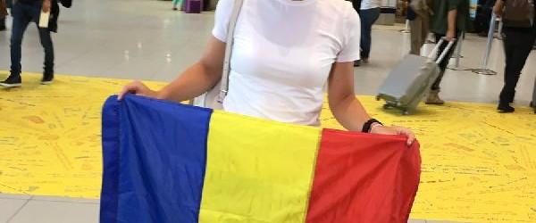 Simona Halep a început de vreo săptămână pregătirea la București, dar azi își va lua câteva ore de pauză. Simona va fi prezentă la Arcul deTriumf din Capitală pentru a...
