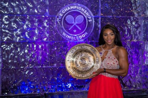 serena williams trofeu wimbledon gala