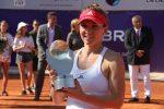 POZA ZILEI, 17 iulie 2016: Simona Halep cu trofeul cucerit a doua oară la BRD Bucharest Open