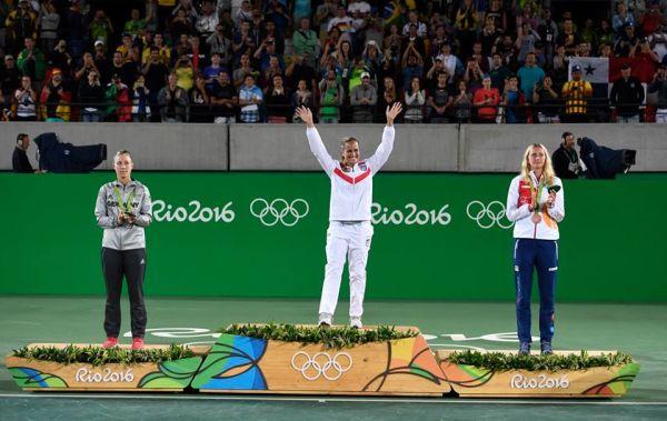 monica puig campioana olimpica podium